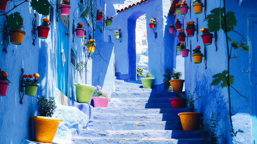 Chefchaouen_-colorful-stairway.jpg